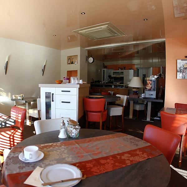 Petit déjeuner - Hôtel Gambetta à Lons-le-Saunier